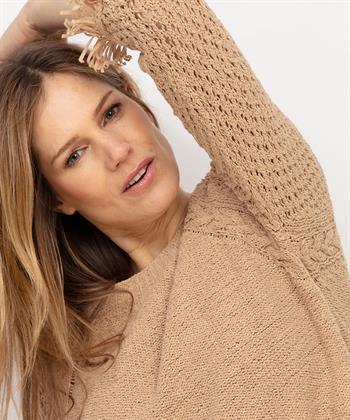 Caroline Biss pullover