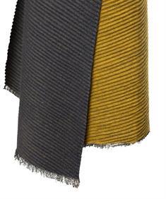 Fraas shawl plissé