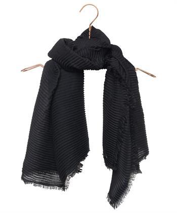 Marc Cain plissé shawl