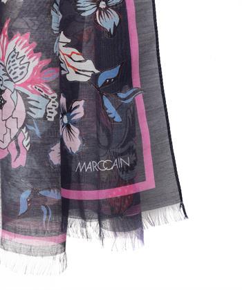 Marc Cain shawl flower