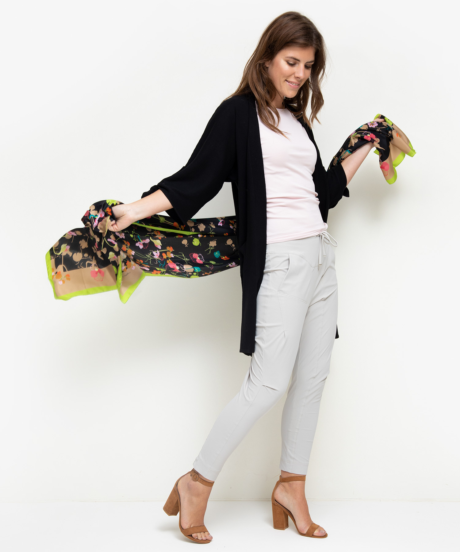 Marc Cain zijden shawl bloemenprint